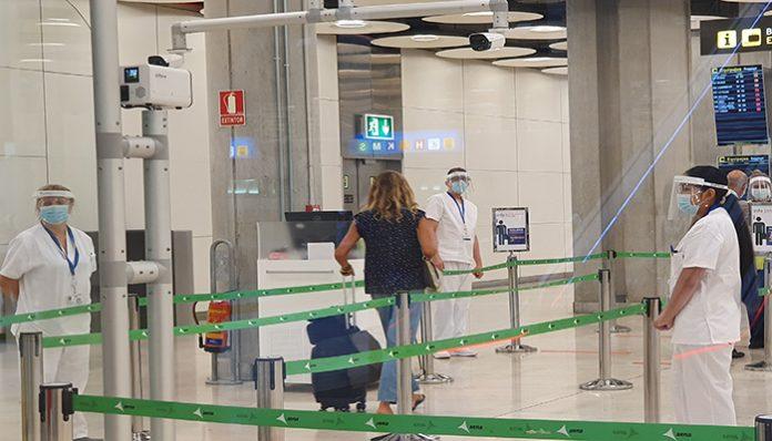 FRANCIA PREVÉ TEST RÁPIDOS SALIVALES EN LOS AEROPUERTOS